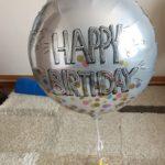 ダイソーで買える誕生日グッズで超おすすめ!宙に浮くバルーンが楽しすぎる!